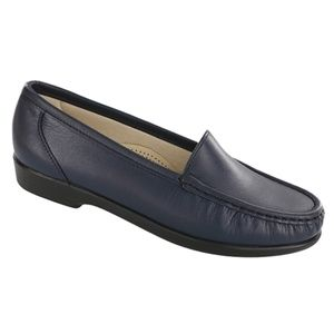 New SAS Simplify Navy Women's Shoes 6.5 Wide